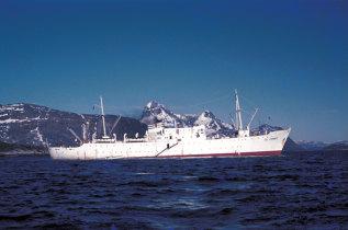 Navio hospital Gil Eannes junto a Olstemborg