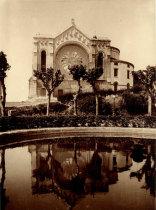 Vista lateral do Templo de Santa Luzia