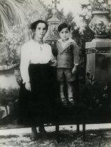 Joana Gonçalves Borlido e filho