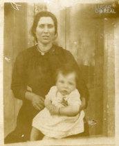 Livana Rosa Domingues e filha
