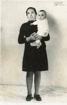 Maria Rosa Domingues e filho